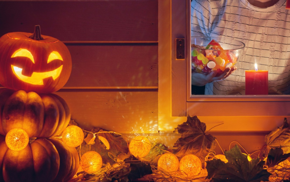 Decorate Outside the Window for Halloween